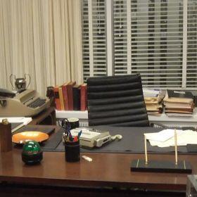 don draper office. Don Draper\u0027s Office Desk Draper
